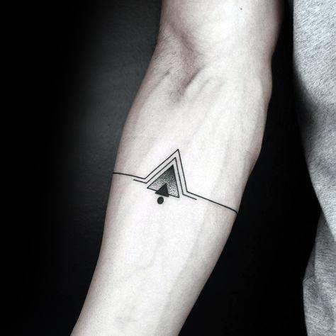 Tatouage simple avant bras homme