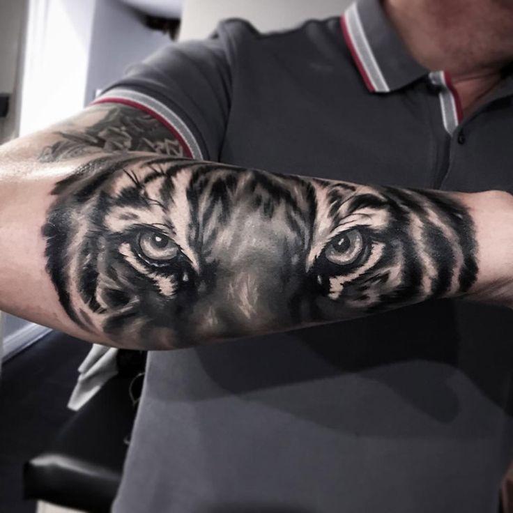 tatoo tigre homme avant bras
