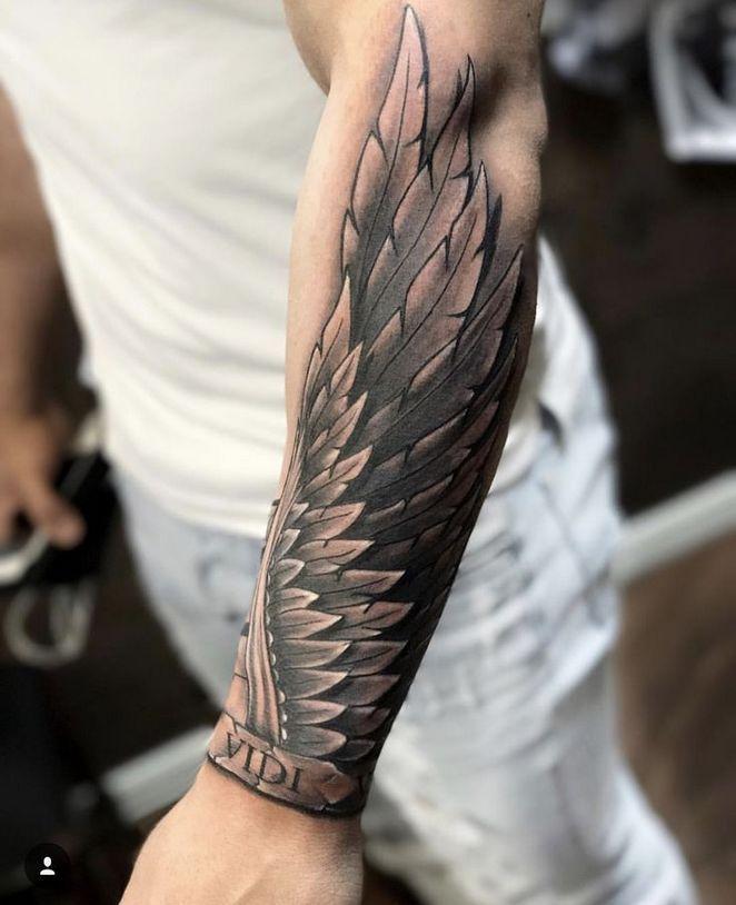 tatouage Aile avant-bras homme