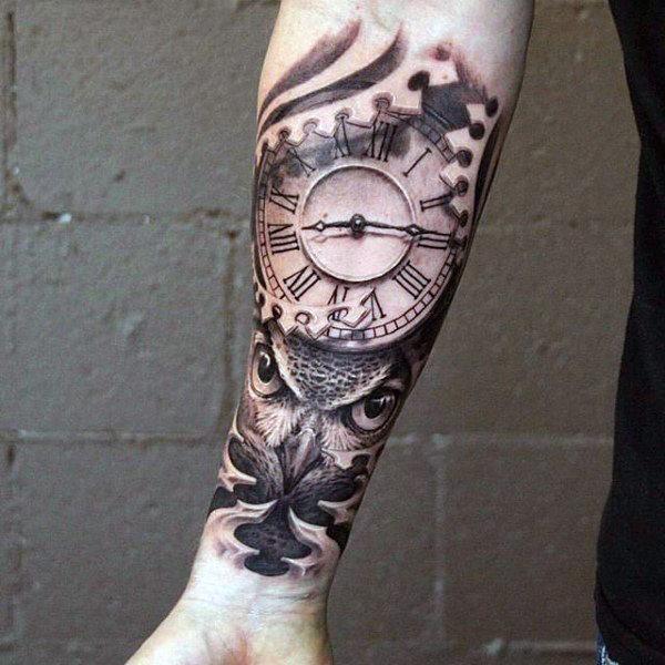 tatouage horloge avant bras homme