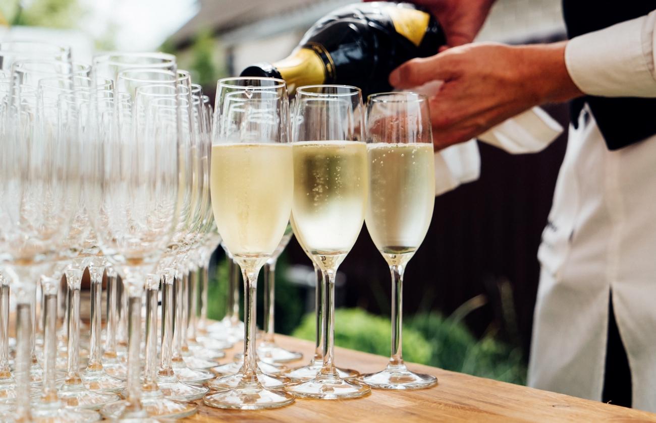 Bien accorder mets et Champagne comme un vrai gentleman