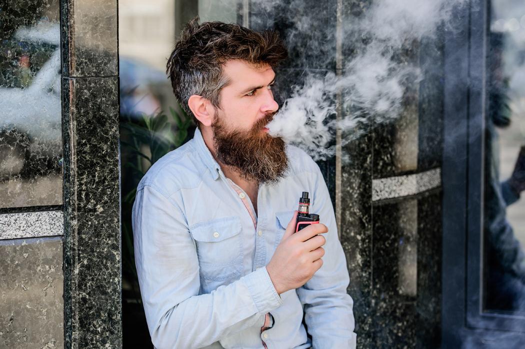 blanchir une barbe jaunie