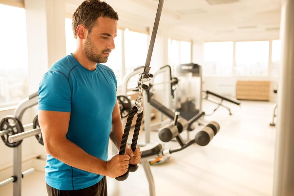 6 exercices pour développer ses triceps