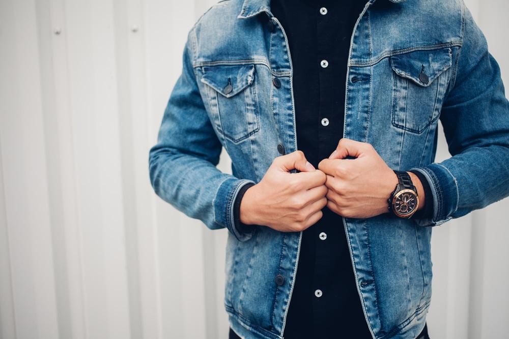 Comment bien porter la veste en jean pour homme