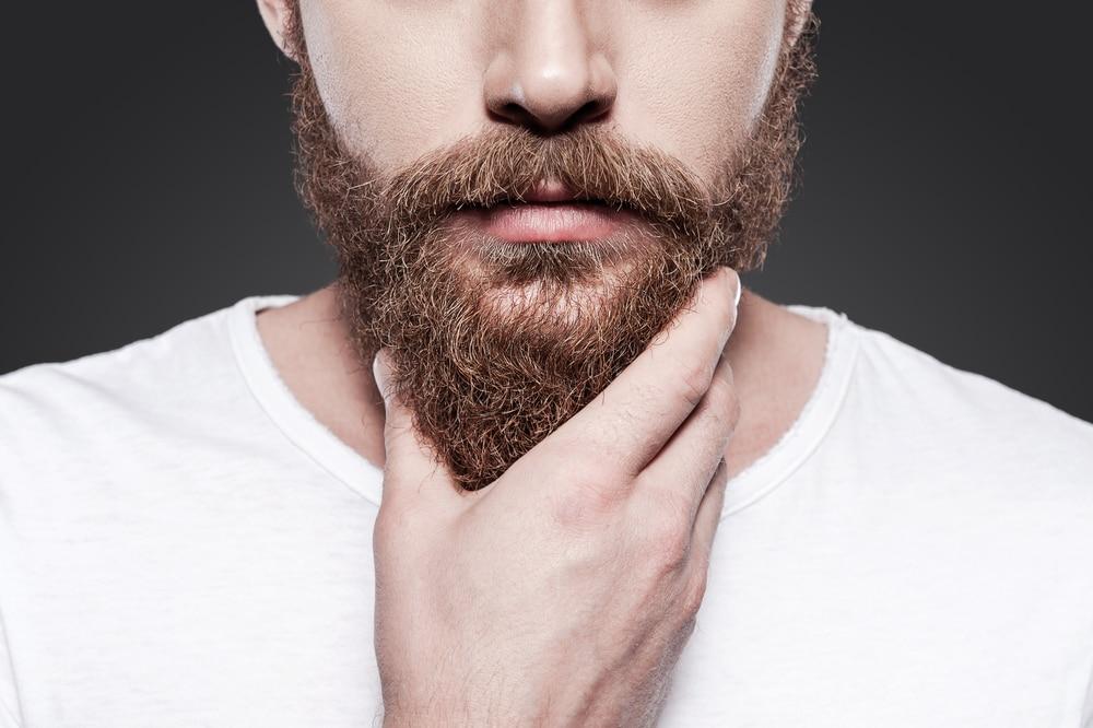 huile ricin sur la barbe