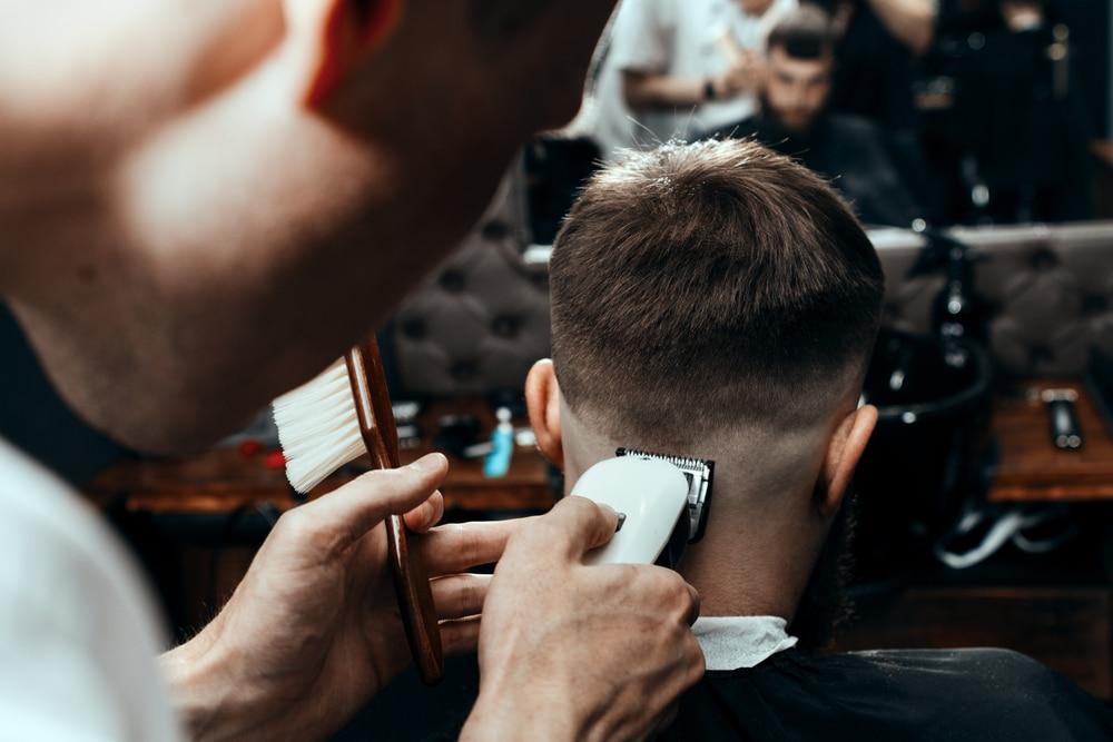 coupe homme undercut pour cheveux fins