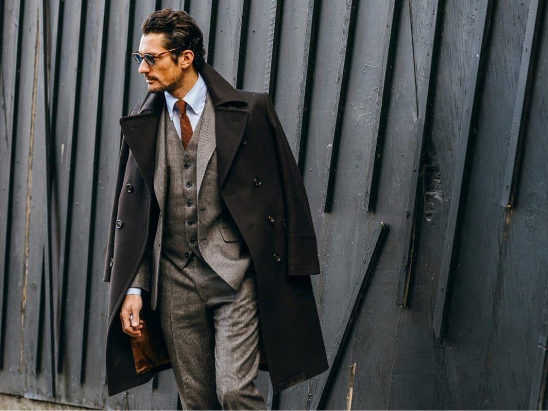 Quel manteau homme porter sur un costume